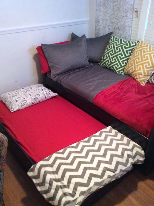 Pull out Trundle Daybed