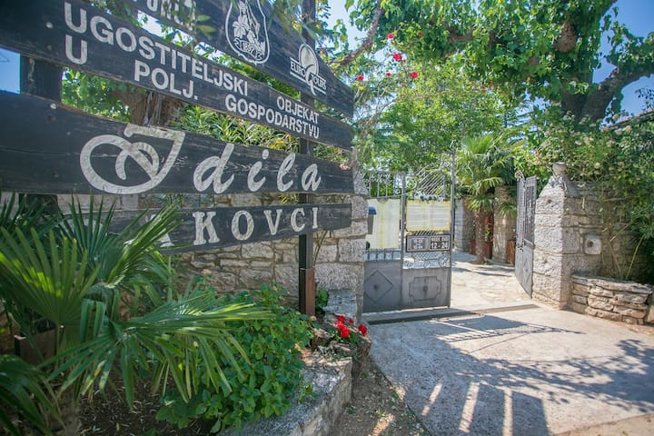 Apartment and Rooms in Agritourism Idila  / Two-Bedroom Apartment Idila with Terrace