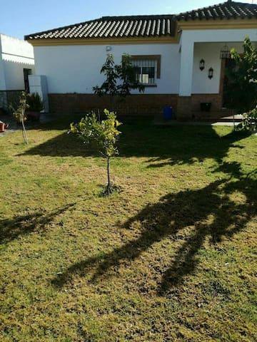 Se alquila parcela con casa - Sanlúcar de Barrameda - Talo