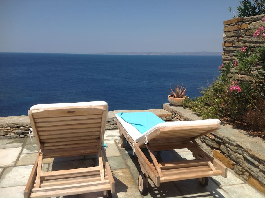 Relax and enjoy it !!!You just can't  wish anything better for your holidays