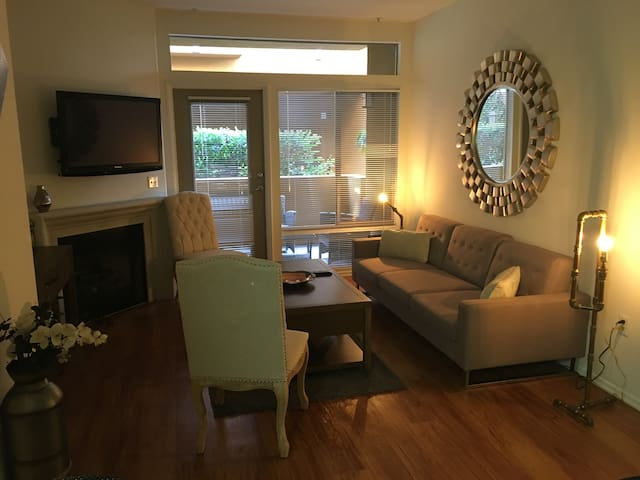 Luxury 1 Bed and Private Bathroom - Los Angeles - Byt