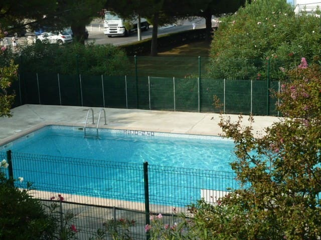 Studio cabine piscine et parking