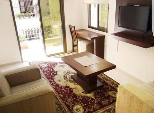 Central in hamra nightlife - beyti residence. hamra district. corner makdesi street/ ibrahim abdel al - Apartamento