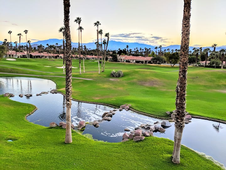 Great View! Palm Valley CC - 3 bed, 3 bath condo.