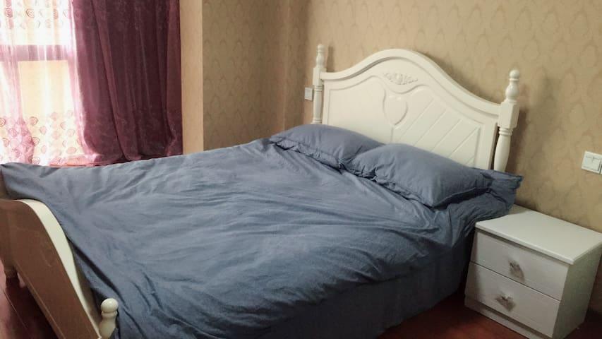 凤凰城青年汇跃层公寓,温馨舒适套间