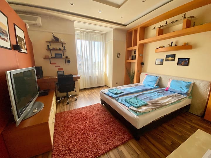 Lovely flat near to Heroes' Square