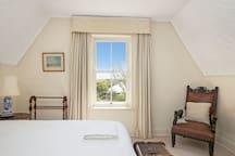 Bedroom 3, King or 2 King Singles