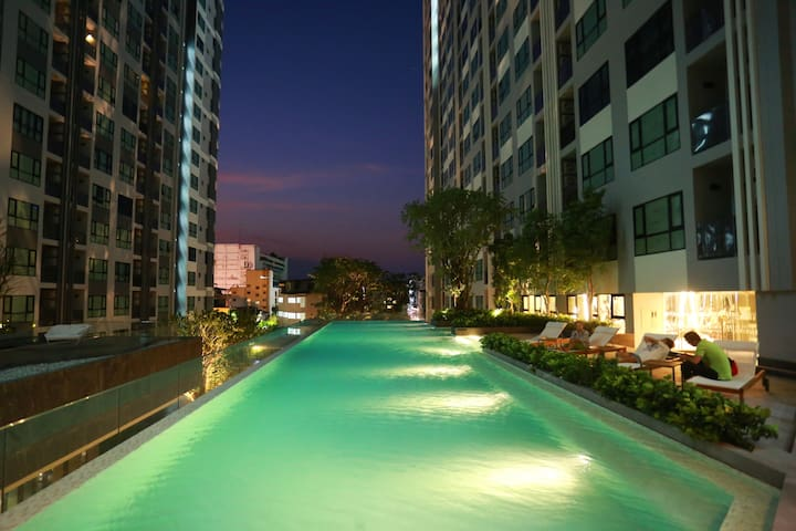 3rd Swimming Pool at Night