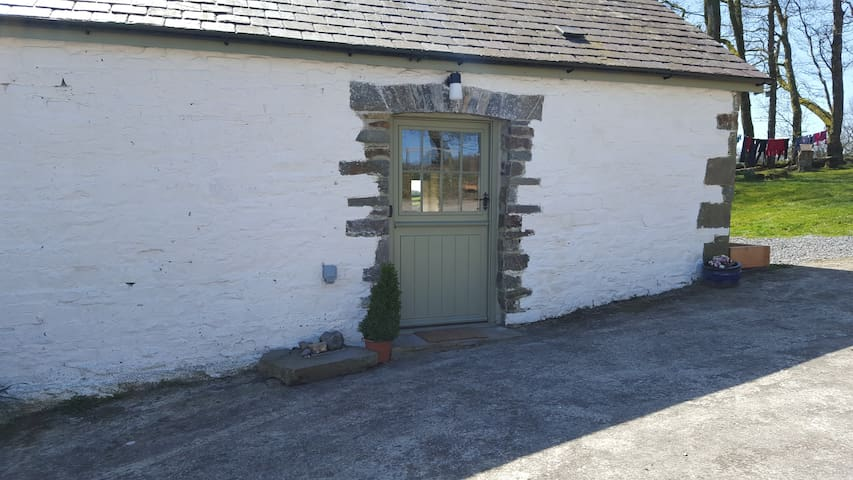 Renovated mill, peaceful location Cardigan Bay
