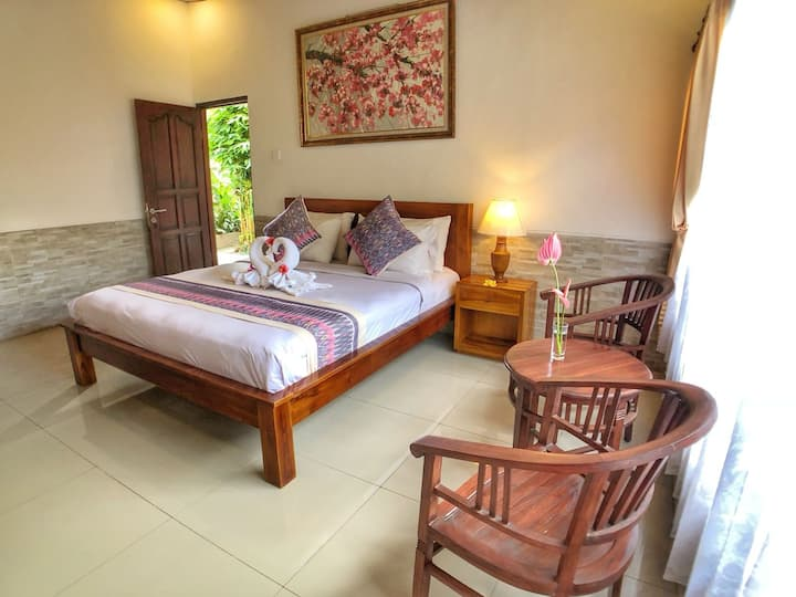 Charming private room with essentials in Ubud