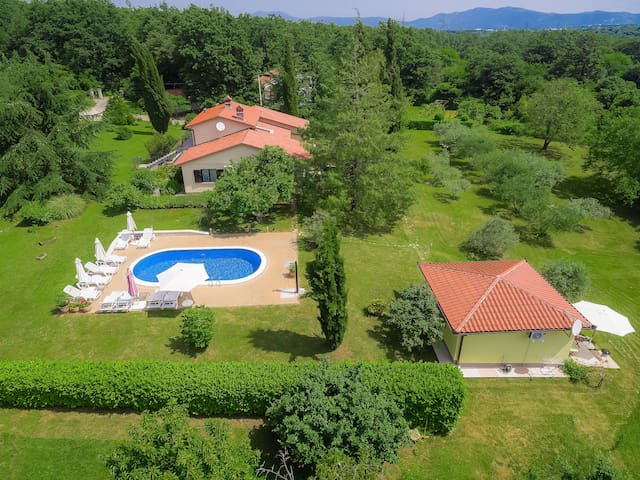 Holiday apartment Mariza, in a peaceful location surrounded by nature