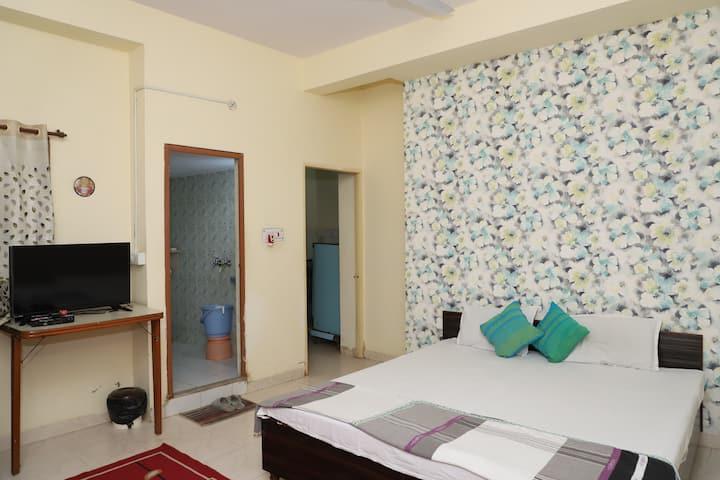 AC 2 Gokul Homestay Indore