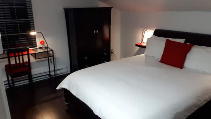 Logement complet (2-chambres/2-Bedrooms)