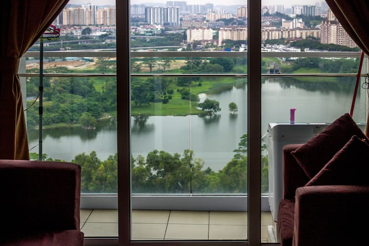 HomeyStay @ DesaGreen ~3 Midvalley, Kuala Lumpur