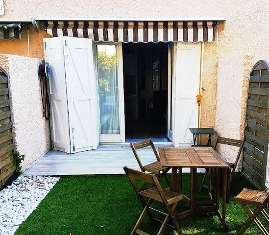 Studio avec jardin près de la plage. - La Ciotat - Condominio
