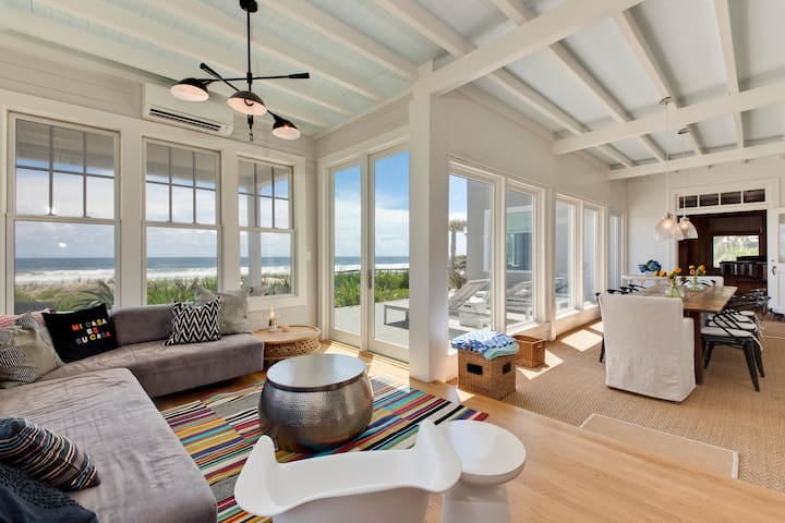Light, Bright Oceanfront House in Old Ponte Vedra