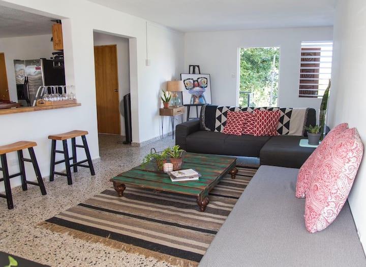 New Spot in Santurce! Casa del Carmen Room 1