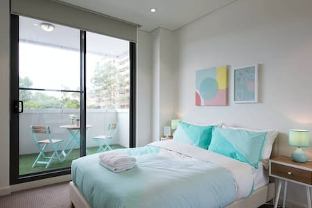 BRAND NEW APARTMENT - Homebush Residence - Homebush - Leilighet