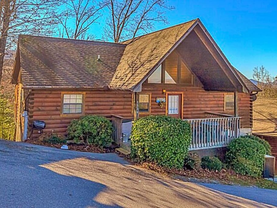 Indoor Pool Pet Friendly Mtn Views Wifi Jacuzzi Pool Table Cabins For Rent In Sevierville