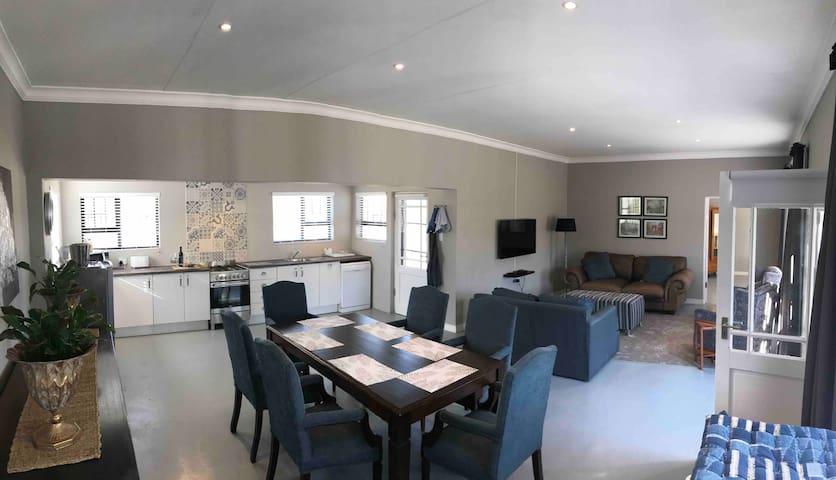 Steenkoppies estate self catering house