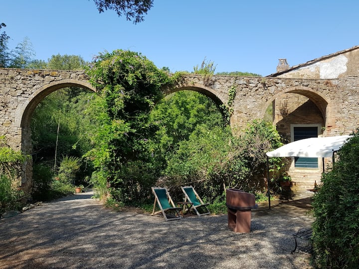 Charming apartment in the shadow of Roman aqueduct
