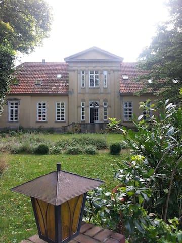 klassizististische Villa ökolog. saniert. - Wildeshausen - Casa de campo