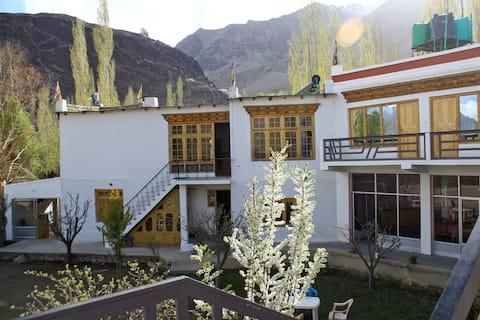 Goba Guest House (hundar)