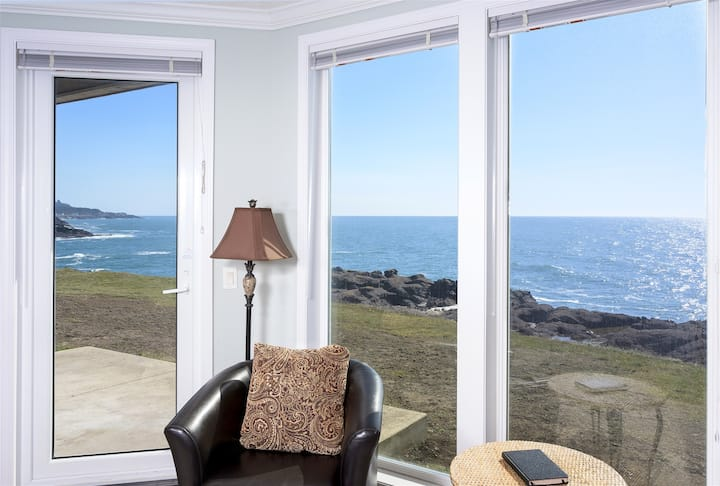 Coastal Breakers - 3br Oceanfront & Watch Whales