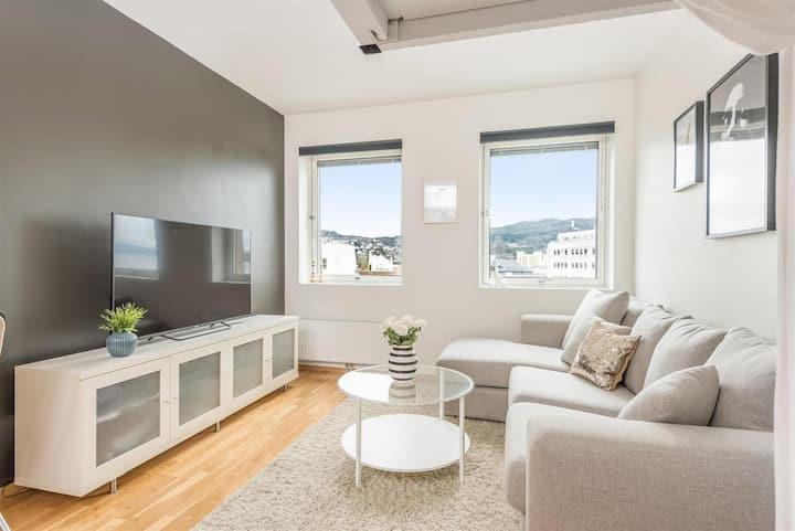 Clean & modern studio apartment w/ sea view