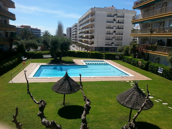 Oliveras BX(2/4pax)-Free WiFi-Pool-100m Beach
