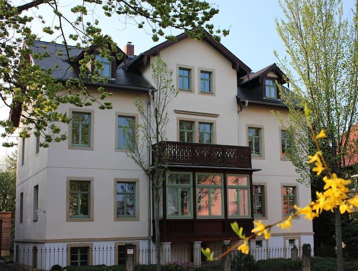 Stilvolles Appartement - Villa am Großen Garten