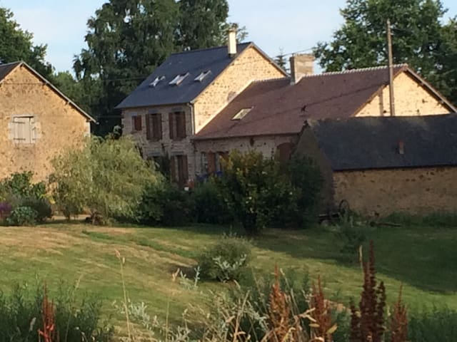 Plenty of space in lovely Normandy - Ceaucé - Haus