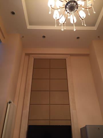 高档的loft公寓 落地大窗  精装修 公寓私密性极佳 上下二层 - 锦州市