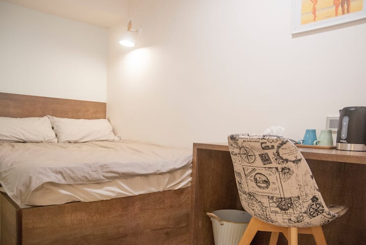 Stylish & New Double Bedroom - 1 min to TST MTR