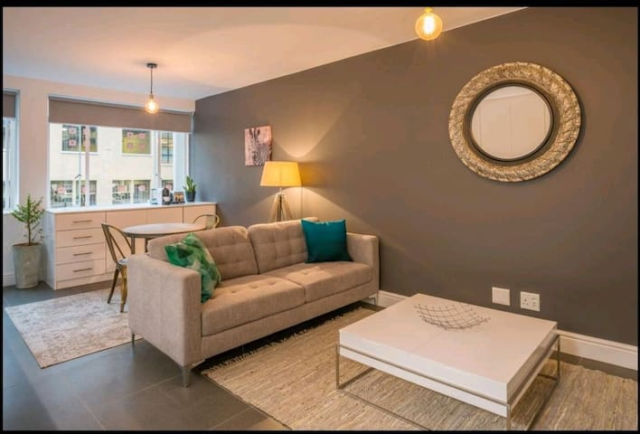 Great location stylish studio central Cape Town