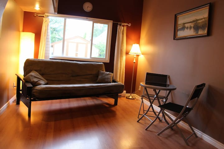 Central, Loft-Style Sweet Suite! - Winnipeg - Loft