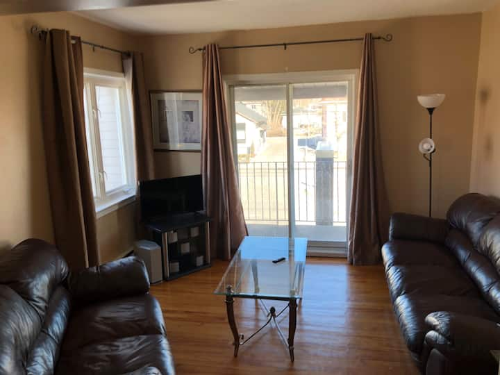Large 2br Apartment-With Balcony (Ottawa/Gatineau)
