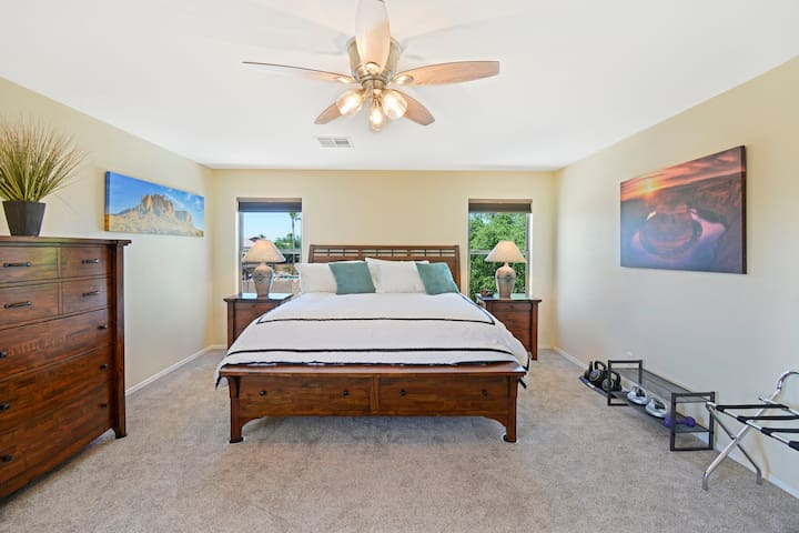 Master Bedroom - blackout curtains, writing desk, private bath