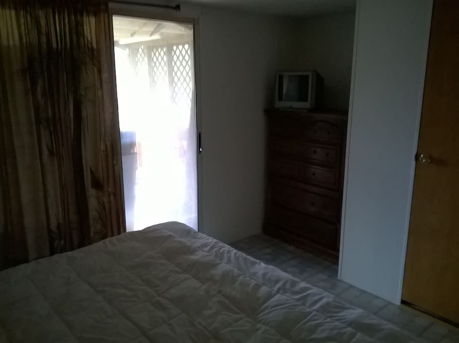 Master Bedroom, King Bed, Glass Door to Screened Room