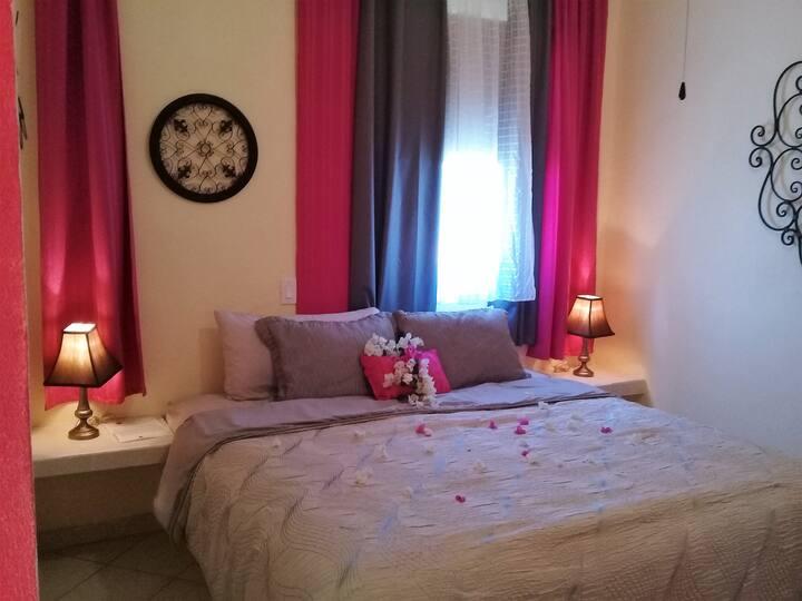 HOTEL BOUTIQUE: Beautiful Cozy Guestroom