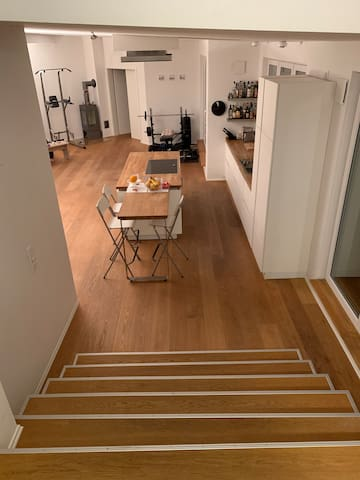 Private room (big flat, 5min to central station)