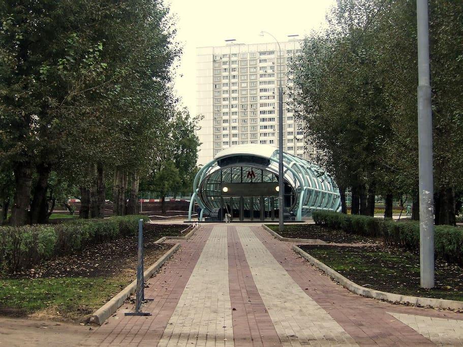 Entrance to subway