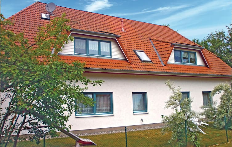 Holiday apartment with 1 bedroom on 35 m² DMK485