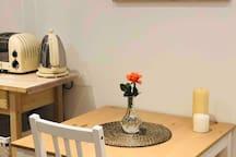 **Cosy, modern studio in Ealing  (Female Only)**