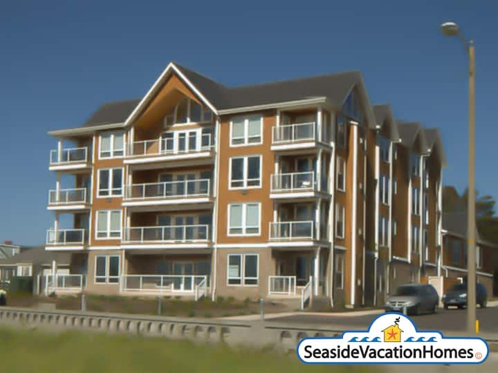 SEAVIEW SERENITY at Seaside Beach: Ocean Front Condo On The Prom
