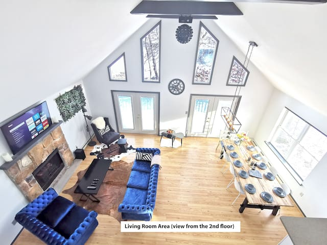 Lake Front House/SAUNA/KAYAKS/GRILL/POOL Table
