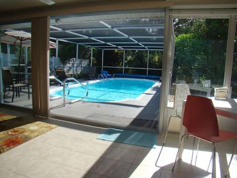 Private heated pool home 2 miles to Siesta Key