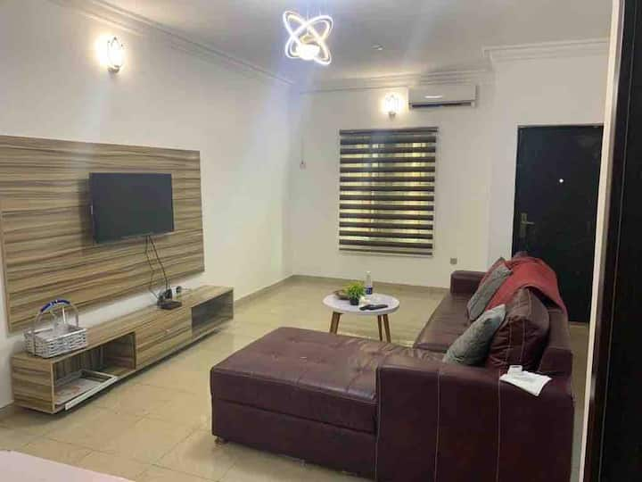 2 bed serviced apartment with 24hr electricity