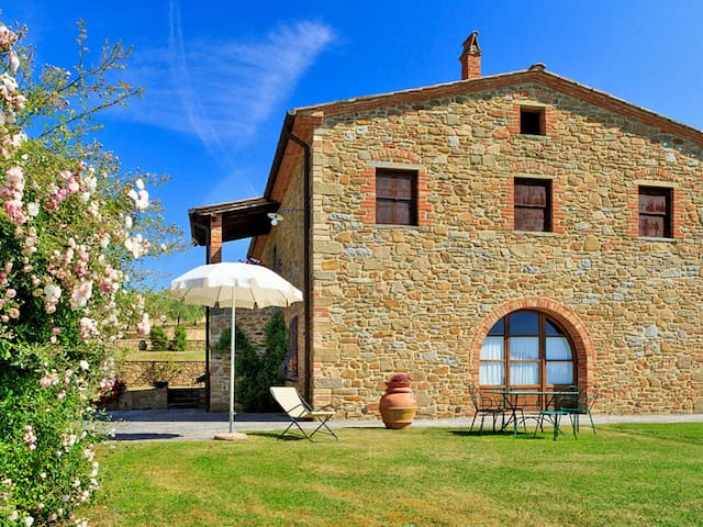 Apartment Podere Camperchi for 4 persons