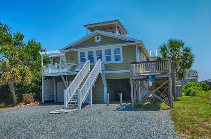 Beautiful Island Home with Private Pool, Easy Beach Access and Handicapped Accessibility